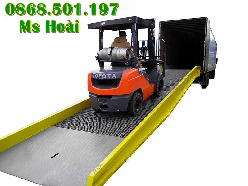 Cầu dẫn xe nâng container