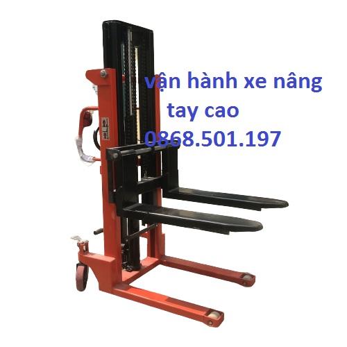 Dieu Khien Van Hanh Xe Nang Tay Chuyen Hang